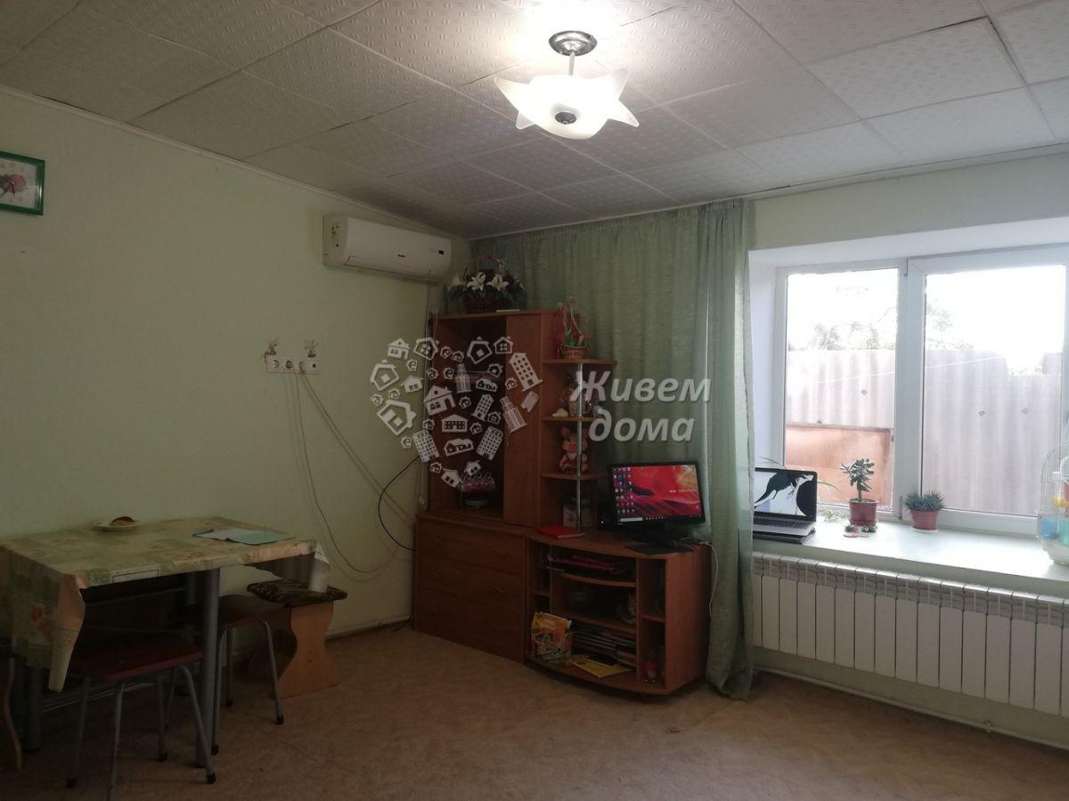 Дом на продажу по адресу Россия, Волгоградская область, Волгоград, Бирюзовая