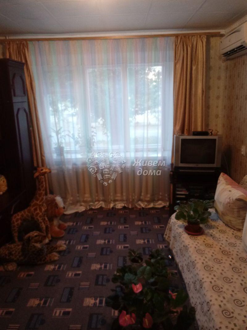 Продаётся 2-комн.               квартира,  Волгоград,               Кировский, 64 Армии ул, 71
