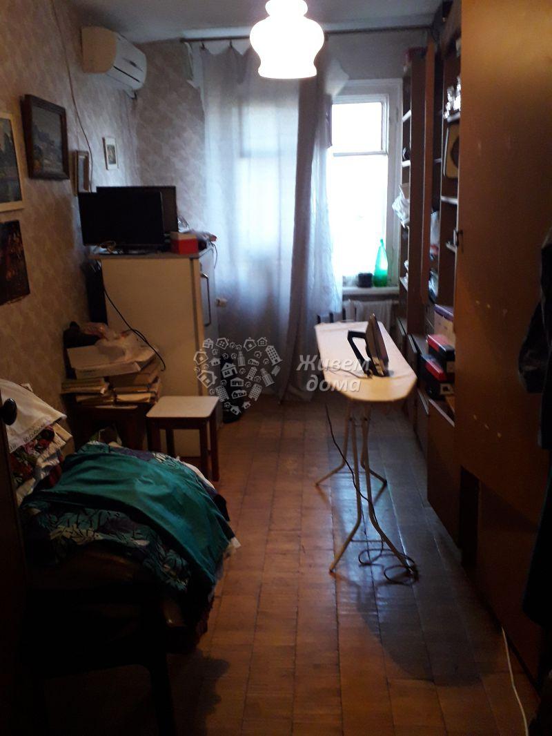 Продаётся 3-комн.               квартира,  Волгоград,               Дзержинский, 51 Гвардейской Дивизии ул, 18
