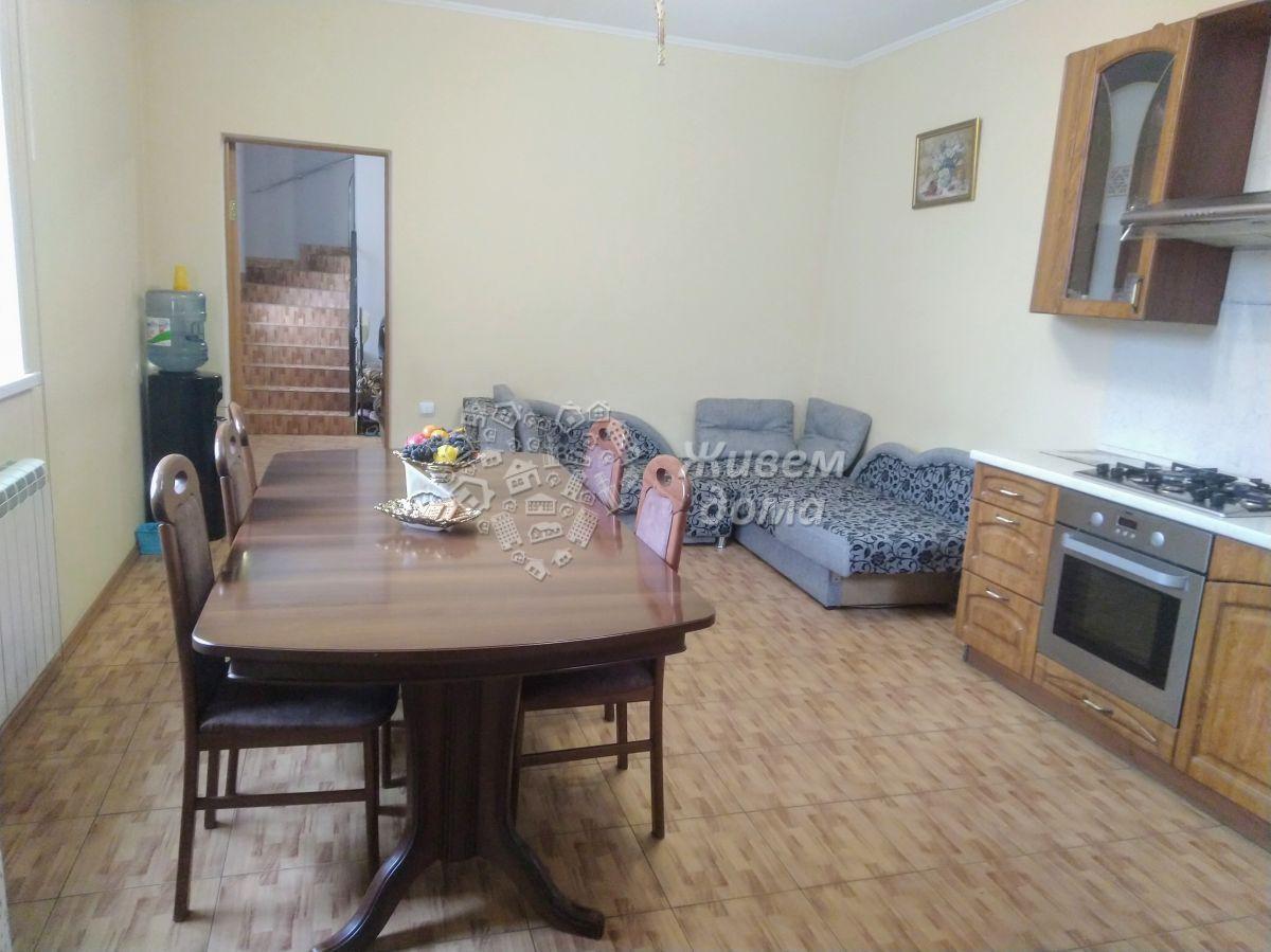 Дом на продажу по адресу Россия, Волгоградская область, Волгоград, Яблочная