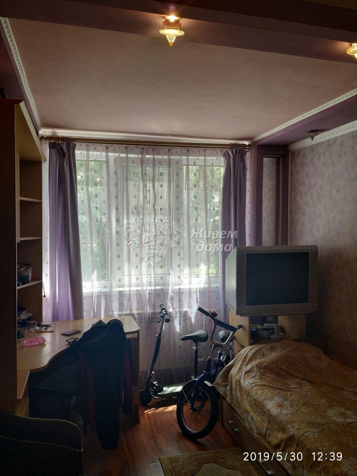5+ комн. , Волгоградская область, Волжский, Старый город, Ленина пр-кт, 131