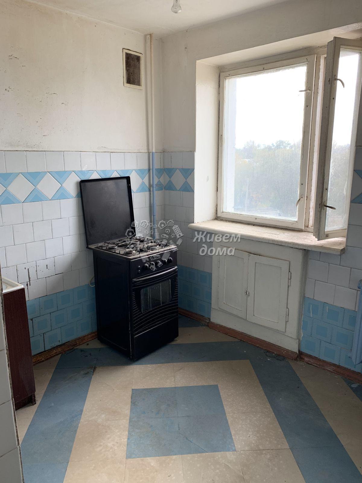 Квартира на продажу по адресу Россия, Волгоградская область, Волжский, Горького ул, 27